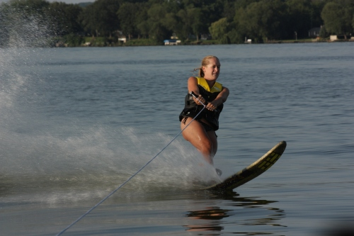Dana splitting the lake in half on the slalom ski